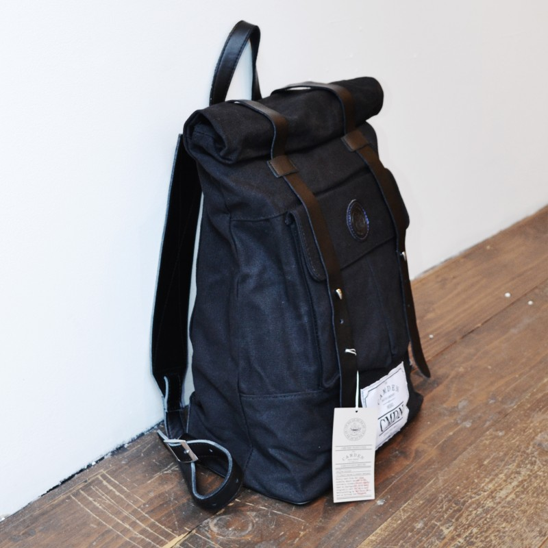 Black_Backpack_SIDE